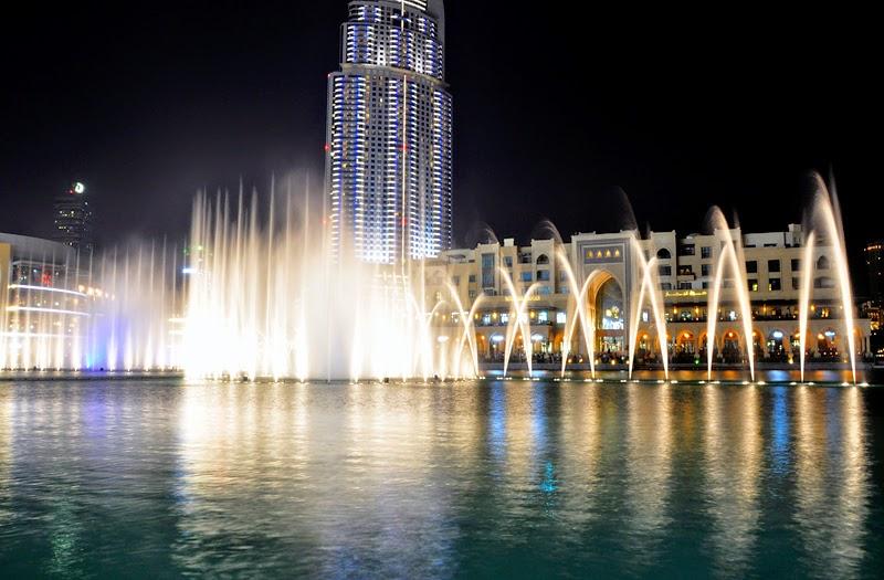 dubaj tańczące fontanny