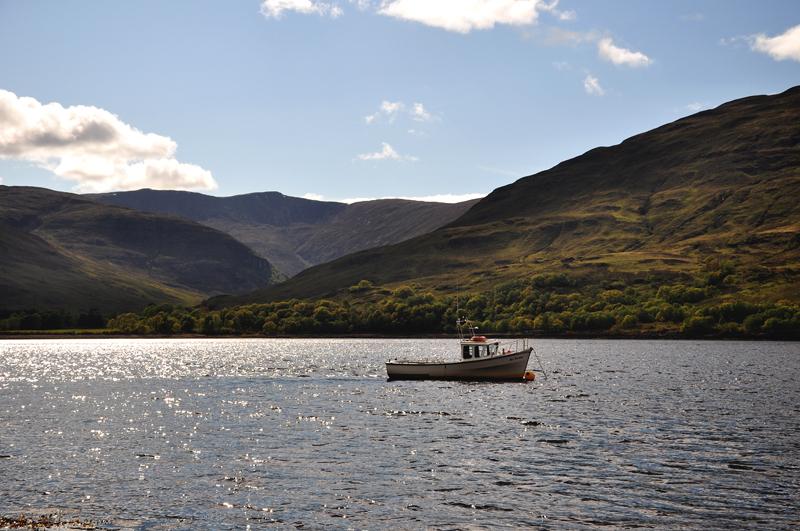 jezioro w szkocji
