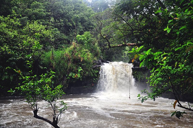 wodospad droga do Hany