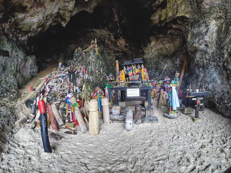 Kapliczka z rzeźbami penisów Tajlandia