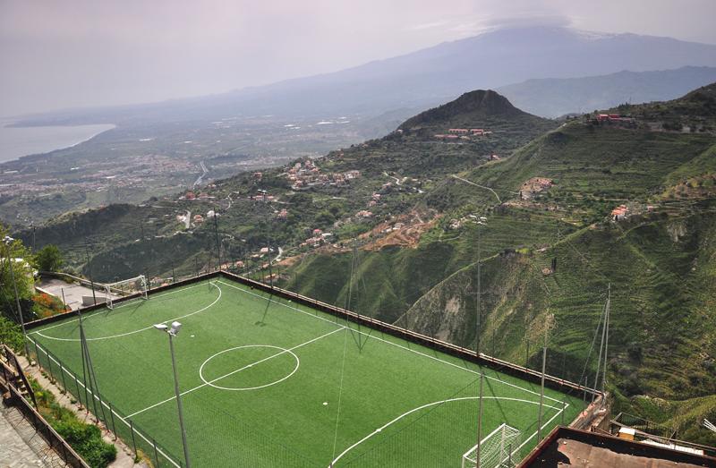Castelmola widok na Etnę