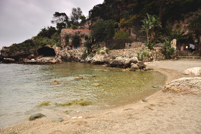 mała zatoka na Sycylii