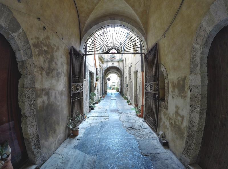 tajemnicza włoska uliczka