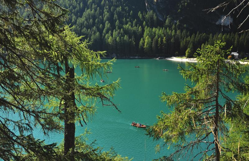 jezioro alpejskie lago di braies