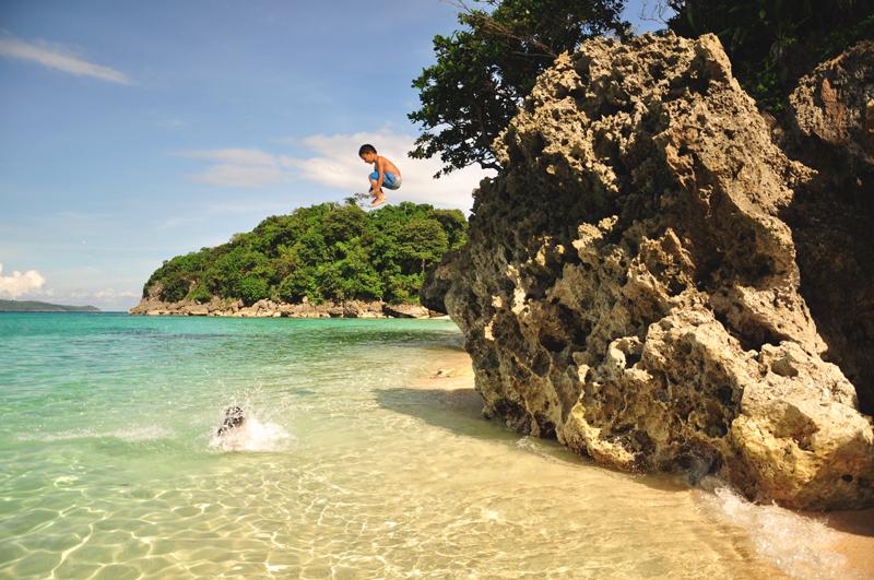 skaczące dzieci Boracay