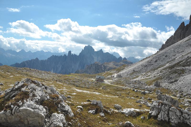 Widok na szlak do Tre Cime di Lavaredo