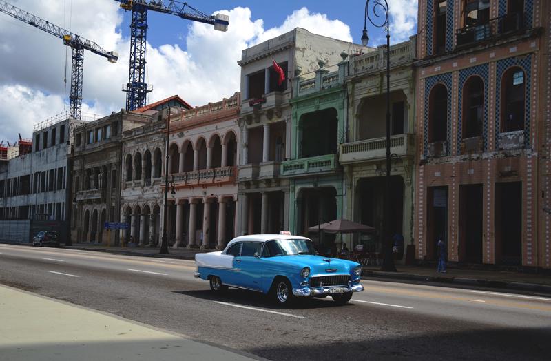 Hawana Cadillac na Malecon