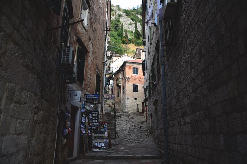 uliczka w Kotorze Czarnogóra