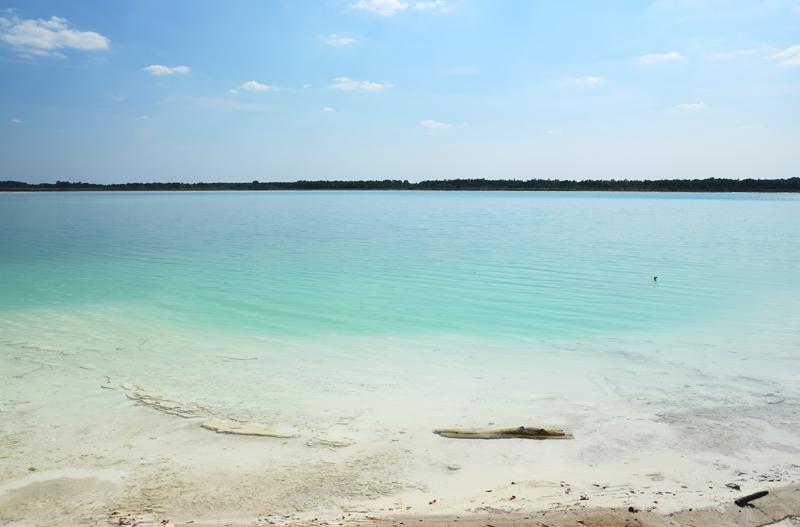 lazurowe jezioro