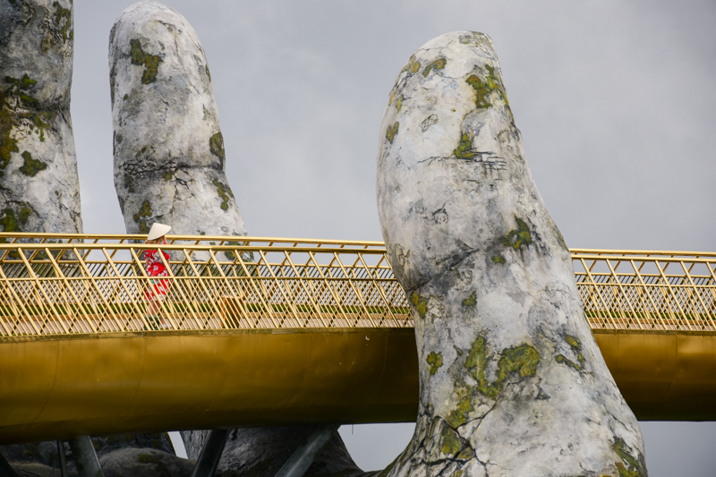 złoty most w Wietnamie